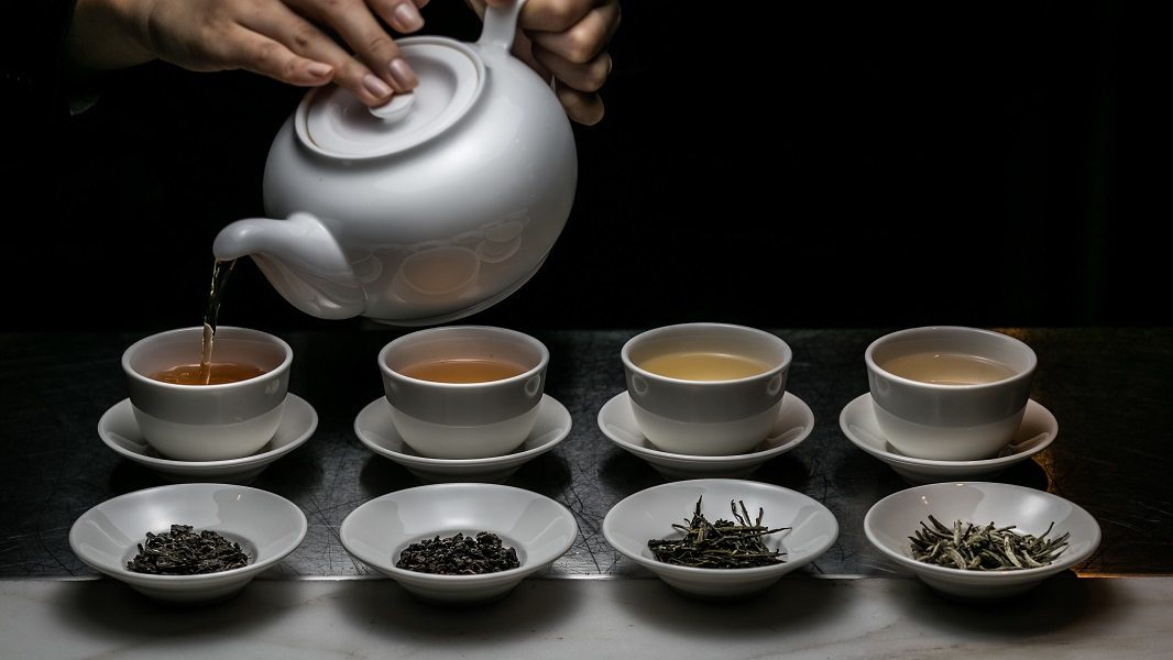 yauatcha-riyadh-tea-serving